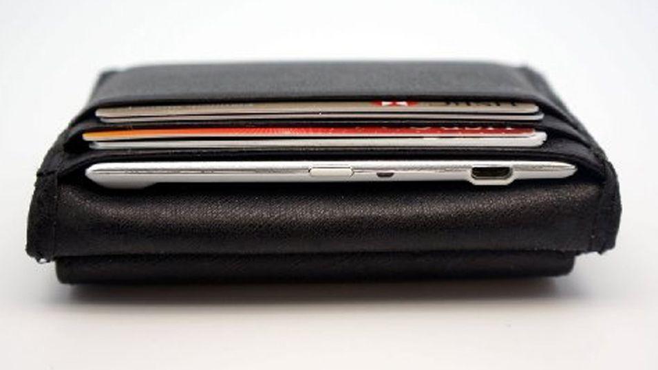 Denne batteripakken passer i lommeboka
