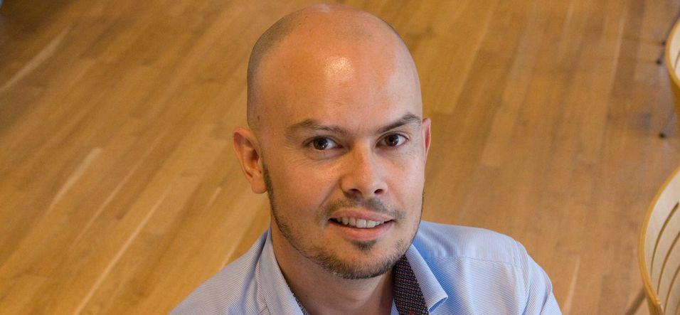 Påtroppende frekvensdirektør John-Eivind Velure i Post- og teletilsynet vil vente med å tildele 40 MHz i 1500 MHz-båndet til etter verdens radiokonferanse i november 2015.