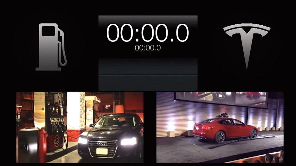 I presentasjonsvideoen tar det dobbelt så lang tid å fylle tanken på en Audi som å bytte batteriet på en Tesla.