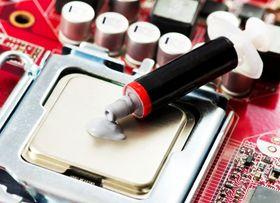 Kjølepasta brukes for å kjøle komponenter i datamaskiner.