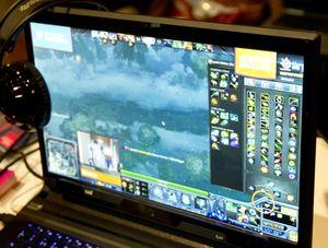 Her ser vi strømming av et spill med en markering av hvor spilleren faktisk ser.