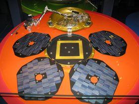 Kopi av Beagle 2-fartøyet som nylig ble funnet.