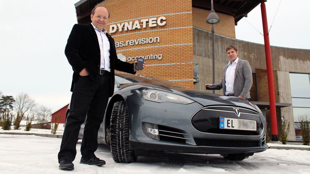 Josef Filtvedt og Sverre Sørensen i Dynatec hevder selskapets nye metode for silisiumproduksjon kan bety langt lavere batterivekt i elbiler.