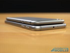 Galaxy S6, her sammenlignet med iPhone 6 (øverst).
