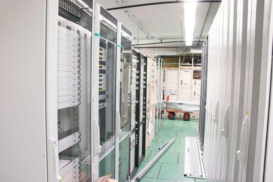 Et lite utvalg av utstyret som står på bakken for å håndtere datakommunikasjonen til Thor 7.