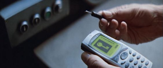 James Bonds mobiltelefon i «Tomorrow Never Dies» fungerte også som universalnøkkel.