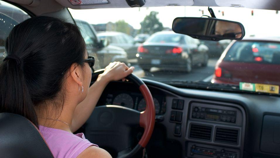 Forsikringsselskap skal installere «svarte bokser» i biler til kunder for å registrere kjørevanene