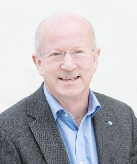 Direktør i Nasjonal kommunikasjonsmyndighet Torstein Olsen stiller seg bak vedtaket.