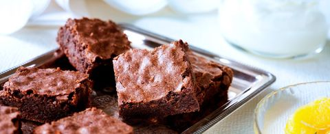 Sjokoladekake langpanne med rømme