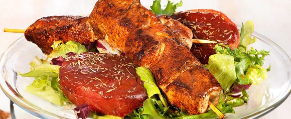 Hot barbeque-salat