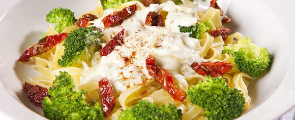 Pasta med broccolisaus
