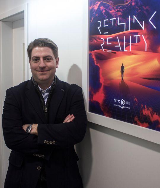 Daniel O' Brien er sjef for Re Vive-prosjektet hos HTC. Han sier selv han har selskapets artigste jobb. Vi tviler overhodet ikke.