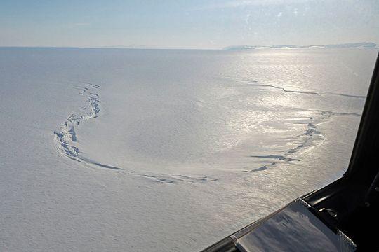 Slik ser krateret ut fra bakkenivå.
