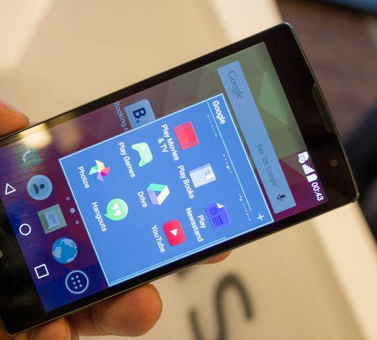 Det er Android 5.0 og LGs menyer som pryder skjermen. De går stort sett raskt og fint.