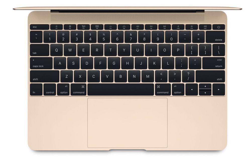 Tastaturet går nå helt ut til kantene.