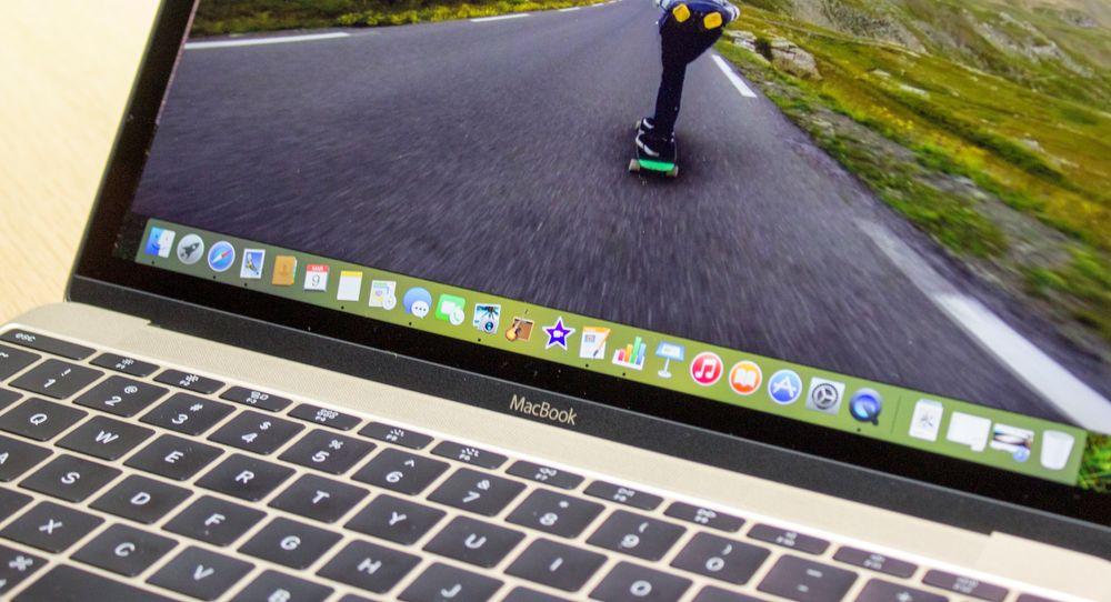 Kompakt, svært godt tastatur og pekeflate. Finfin skjerm og lang batteritid. Designen? Har du sett en MacBook har du sett denne også - bare se den for deg som veldig, veldig liten.
