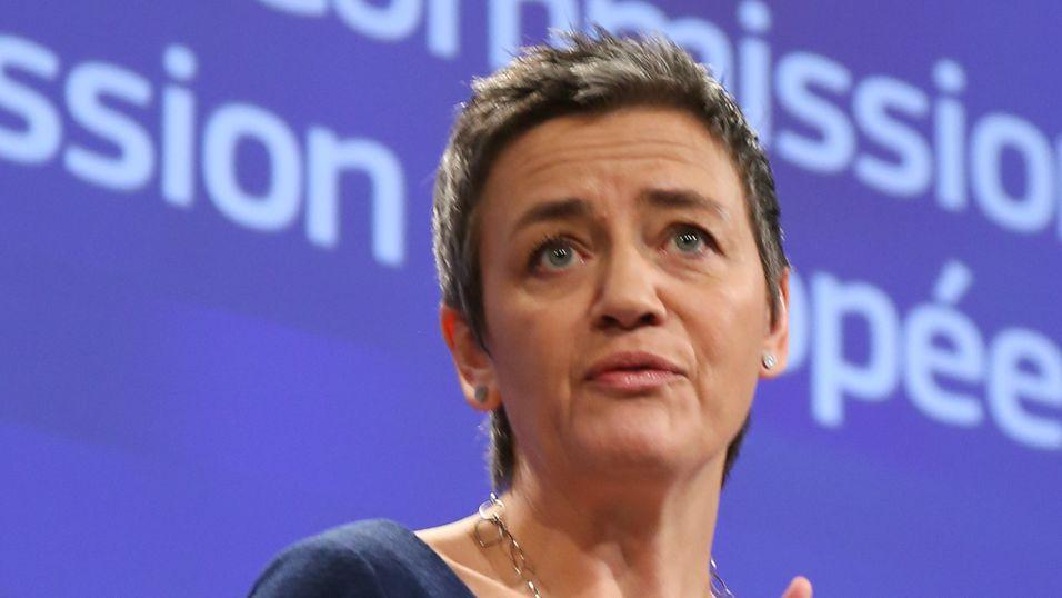 Margrethe Vestager liker ikke at de store, europeiske fusjonene gir lavere investeringer i viktig infrastruktur og høyere priser til sluttbrukerne.