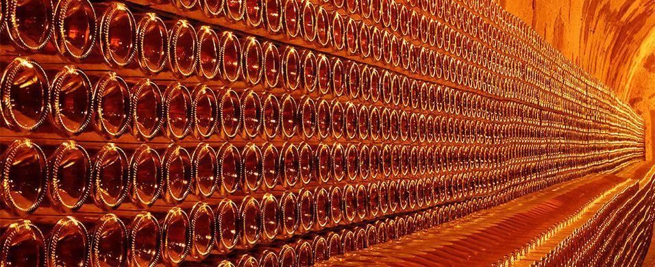 Smak champagne i virkelig toppklasse. Bli med på vinkurs 10. desember i Oslo