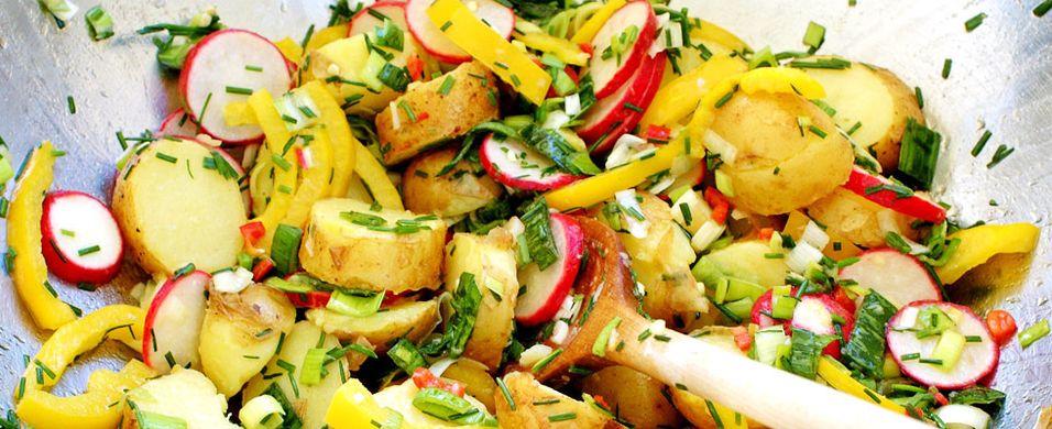 DAGENS RETT: Lag denne fargerike salaten til middag
