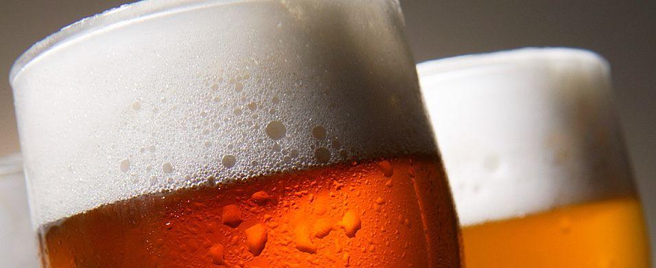 Vi lesket oss med øl og vann i juli