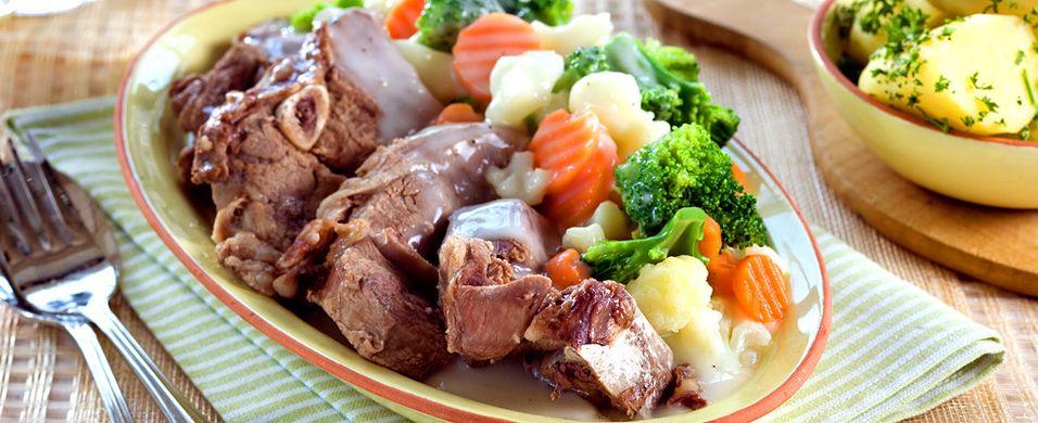 DAGENS RETT: Alle takker ja til middagsinvitasjon når lammefrikasse er på menyen