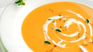 Søtpotet blir til den lekreste suppe