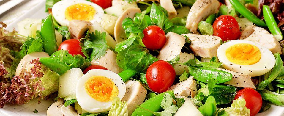 DAGENS RETT: Kyllingsalat er alltid populært
