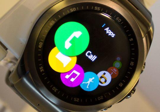 LGs Watch Urbane LTE har operativsystemet webOS. Det gjør at den føles mye mer som en vanlig mobiltelefon enn Android Wear-produktene.