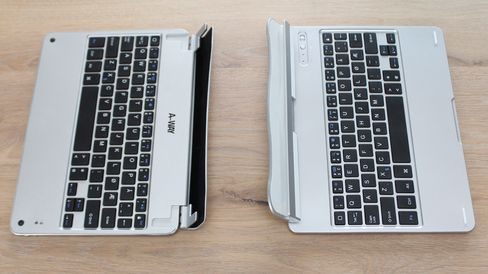 Begge tastaturene fra A-Way har etspor du kan klemme fast iPaden i.
