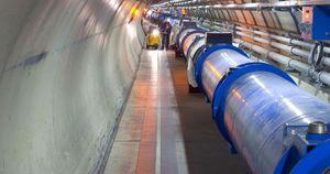 Partikkelakseleratorer er som regel veldig store, som her avbildede Large Hadron Collider, men kan nå kanskje komme i små utgaver, og ikke med helt samme bruksområde.