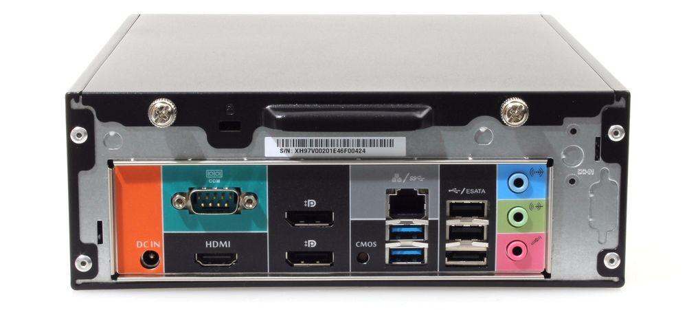 Tilkoblinger bak: HDMI, 2 x DisplayPort, gigabit LAN, 2 x USB 3.0, 2 x USB 2.0, eSATA, lydkontakter og en RS-232 COM-port.