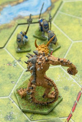 Hvis du ser frykt hos soldatene har du helt rett. Du vil ikke møte dette monsteret på nært hold.