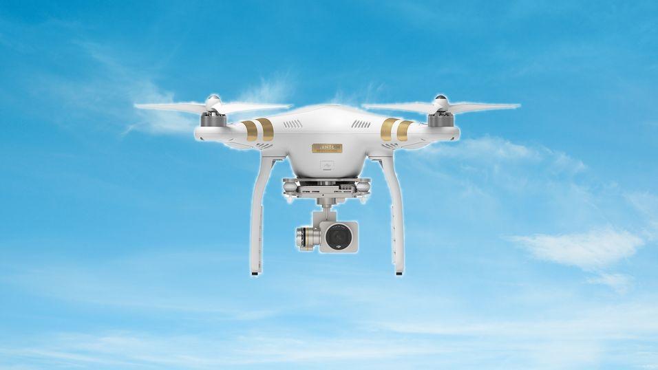 DJI skal nå tilby egne forsikringer til dronene sine. Dette er en Phantom 3.