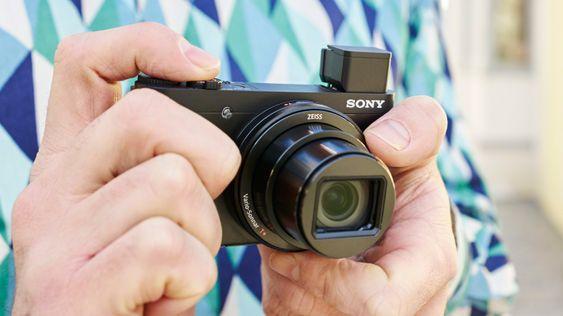 HX90V kommer med GPS, «sprett-opp» søker og bedre kameragrep.