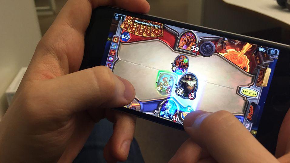 Nå kan du endelig spille Hearthstone på mobilen