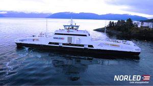 MS Ampère gjennomførte mandag 16. februar sin første tur med biler og passasjerer.