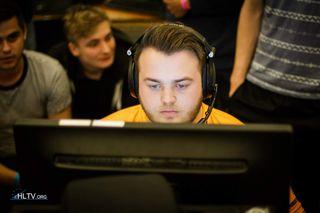 Steffen «centralize» Dahl i Badger eSports.