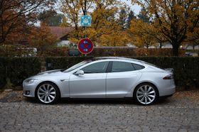 Det er foreløpig ingenting som tyder på at svenske Tesla-eiere vil bytte tilbake til bensinbil med det første...