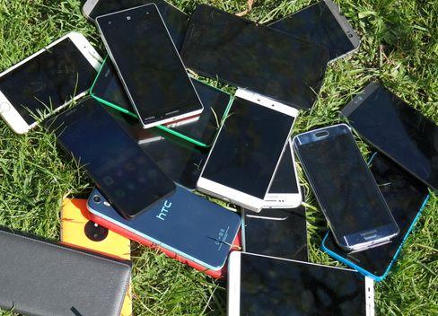 selv de tøffeste mobiler blir svake i møte med sola.