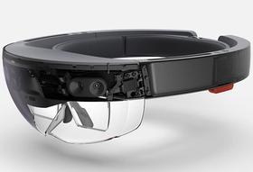 HoloLens byr på avanserte sensorer og mye prosessorkraft.