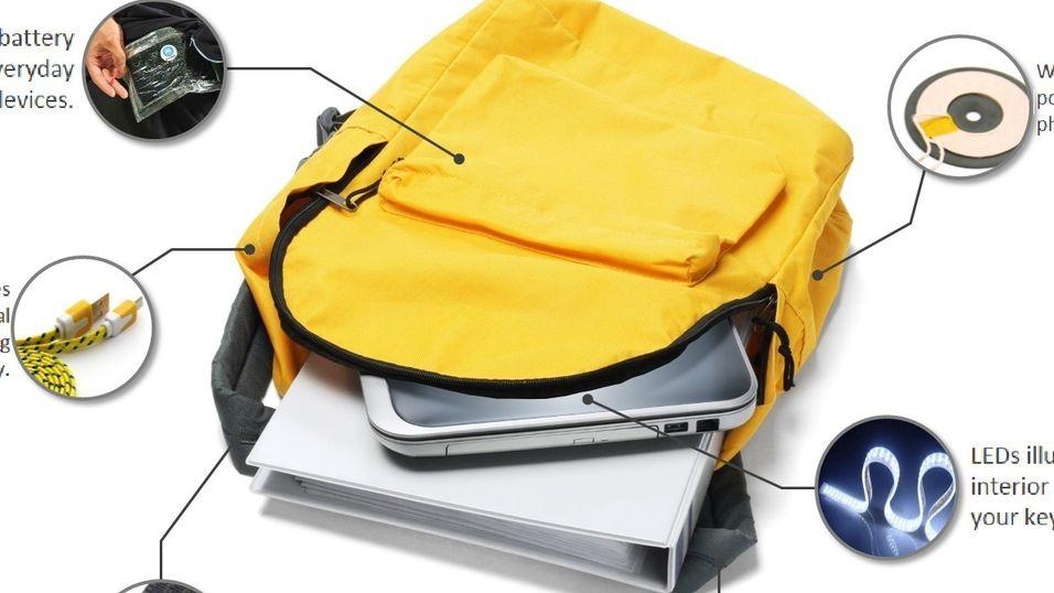 Denne ryggsekken lader mobilen din når du beveger deg