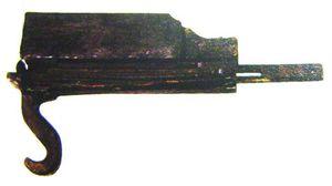 En halvautomatisk armbrøst funnet i en utravning i Kina.