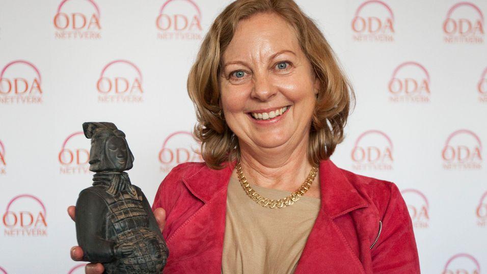 Telenors Norges-sjef Berit Svensen ble fredag hedret for sin innsats for kvinner i IT-bransjen.