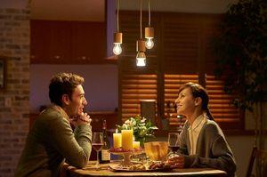 Middagen blir ekstra romantisk med Barry White på lyspæren.
