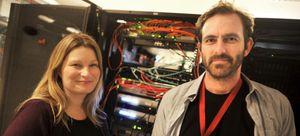 Anne Ragnhild Kjær Sti og Anders Røine i Telemark fylkeskommune mener det er viktig at elevene lærer seg begrensingene og mulighetene ved å ta i bruk internett under eksamen.