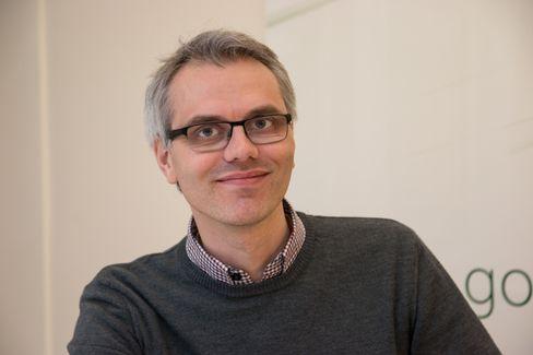 VIL DELE: Anders Stokke i Leteng holder gjerne kurs. – Verdien av løsningene dine blir mye større når du kan alt om dem, sier han.