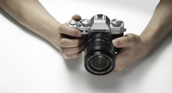 Fujifilm X-T10 Den populære retrokongen X-T1 får en billigere lillebror
