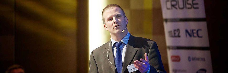 Bjørn Villa ved institutt for Telematikk på NTNU mener det sløses bort flere hundre millioner kroner hvert år på statlige IP-nett.