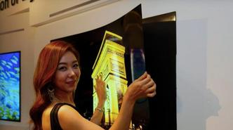 Denne OLED-TV-en kan du «klistre» på veggen