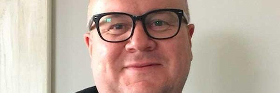 Morten Evjen i Mobito mener norske mobiloperatører flår kundene sine.